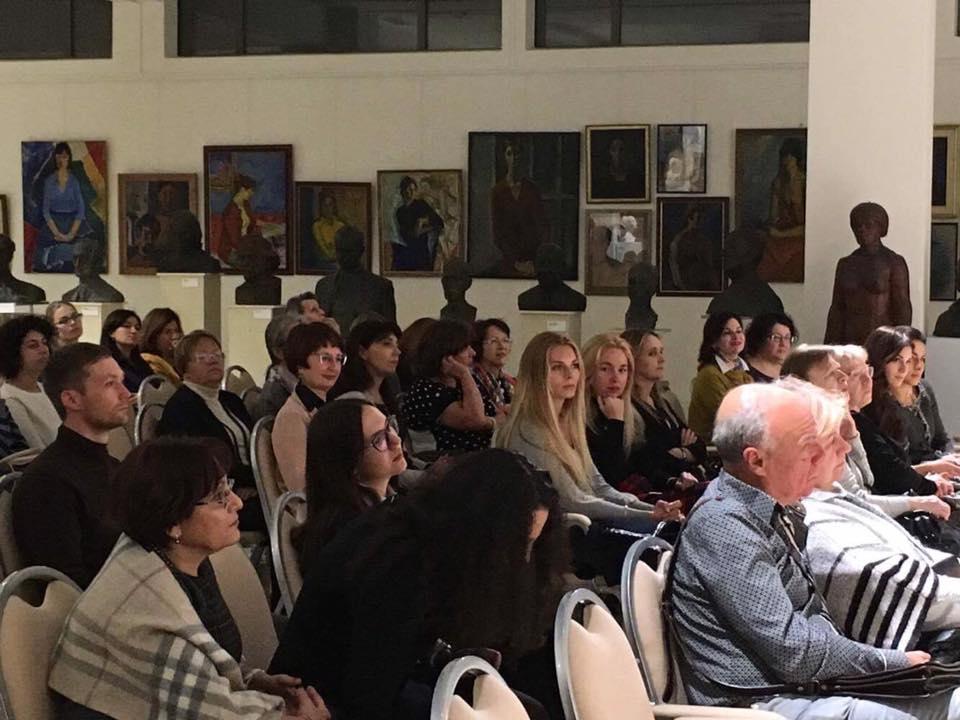 """В галерее Николая Никогосяна """"Нико """" прошел благотворительный концерт"""