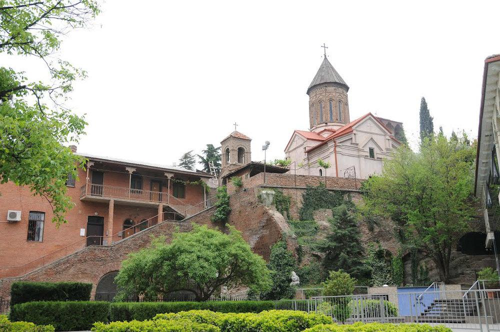 Церковь Святого Карапета — изначально армянская апостольская, а в 1995 году переделанная в грузинскую православную, церковь между районами Чугурети и Авлабари в Тбилиси, Грузия.