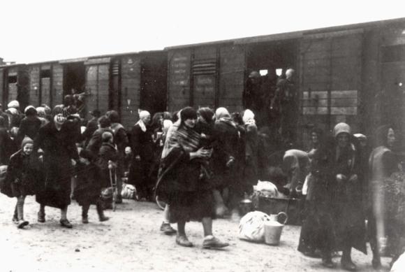 На сайте sushhestvovat.salavat.website собраны все материалы, посвященные депортации армян в 1949 году
