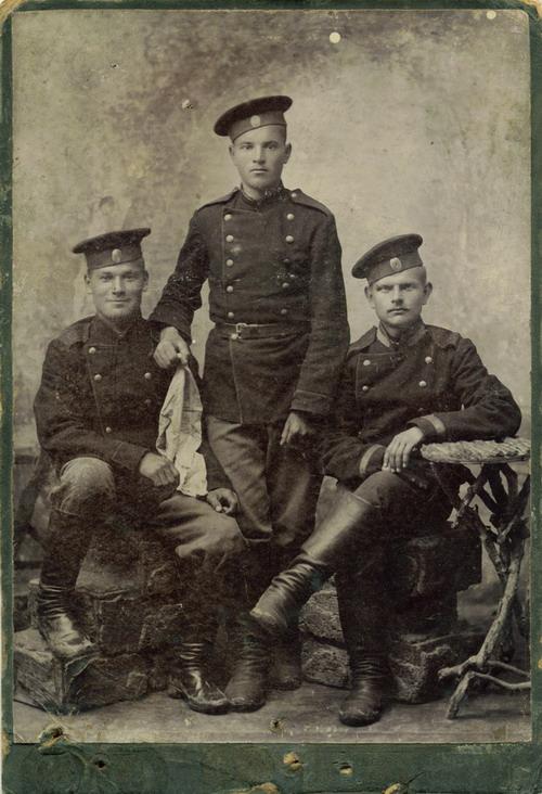 Солдаты 154-го пехотного Дербентского полка. фото iskatelklada.tuapse.ru