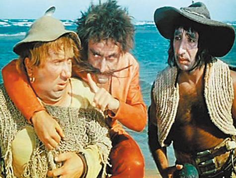 Кадр из фильма «Айболит-66». Алексей Смирнов, Ролан Быков и Фрунзик Мкртчян