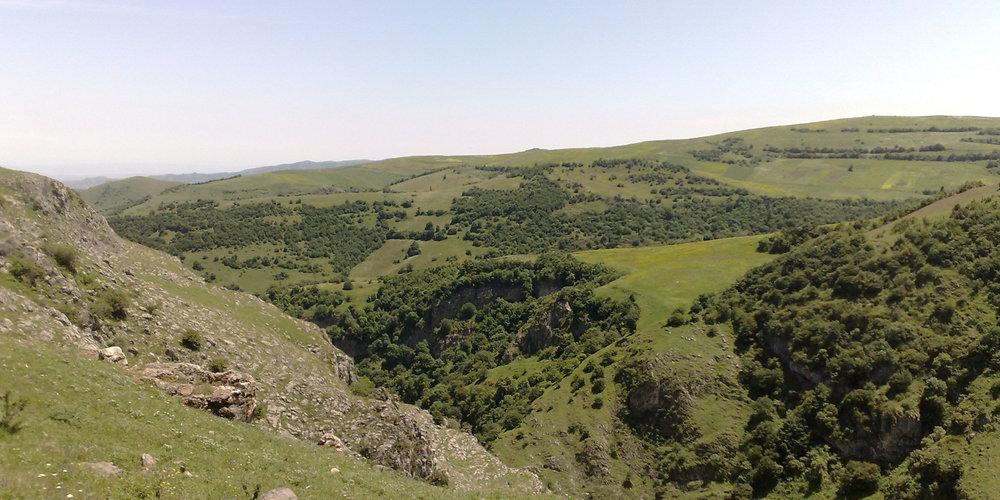 Тавушская область - В 124 километрах от столицы Армении, в ее северо-восточной части, находится Тавушский марз, административным центром которого является город Иджеван.