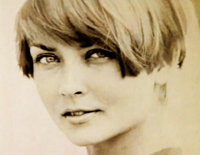 Жанну Болотову считали одной из красивых актрис советского кино. Роль Гали в ленте Льва Кулиджанова и Сегеля была ее первой работой в кино