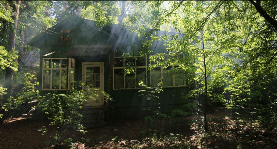 Вот такие дачные домики можно увидеть в Кратове. фото Игоря Борщевского
