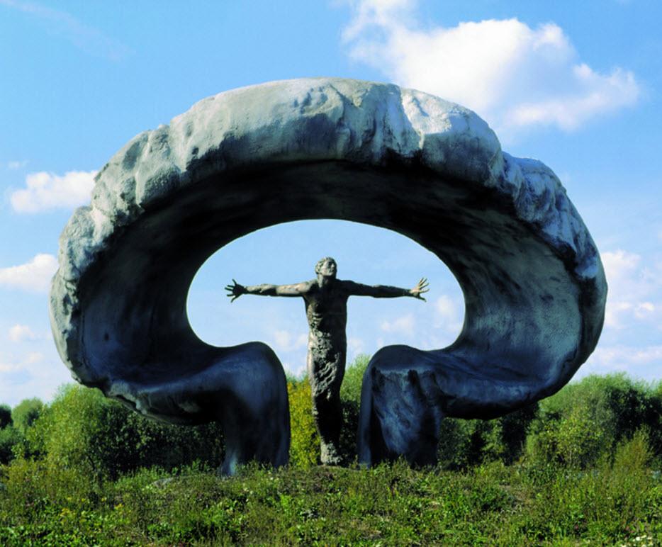 """Мемориал""""Жертвам Чернобыля"""" ( Андрей Ковальчук) фото russianasledie.ru"""