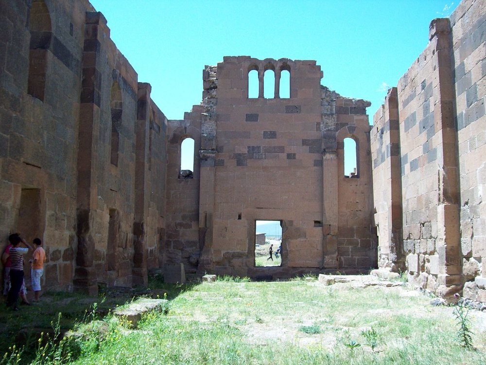 1280px-Yereruyk_basilica_cathedral_04.jpg