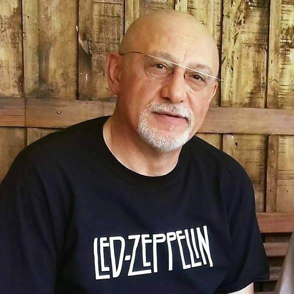 Журналист, писатель, автор рассказов и афоризмов Ашот Газазян.