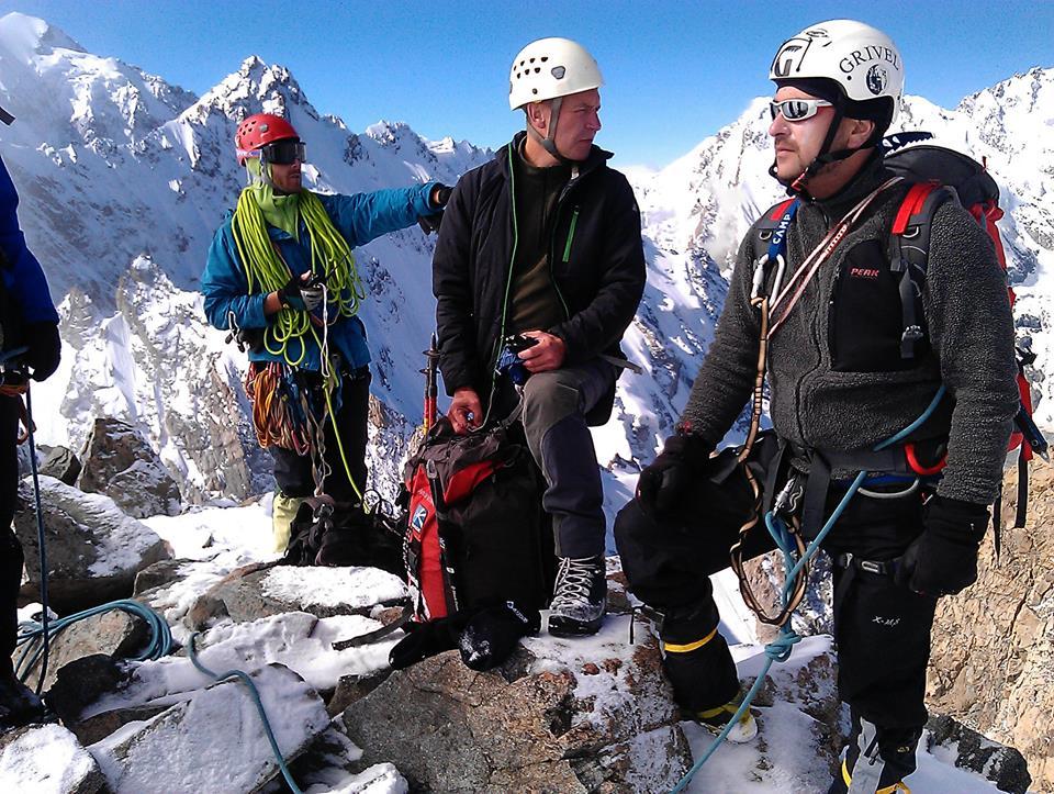 Антуан Ананян и другие участники Федерации альпинизма в горах Кавказа. Фото с личной страницы Антуана Ананяна
