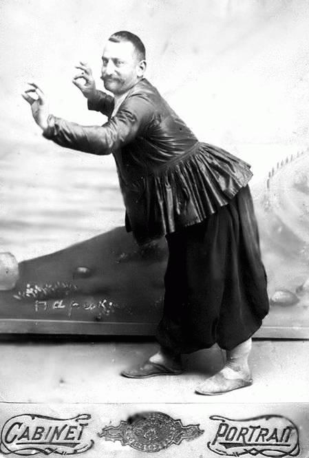 Тифлисский кинто - образ, который Параджанов любил с детства. Фотоhttp://tbilisifoto.ru
