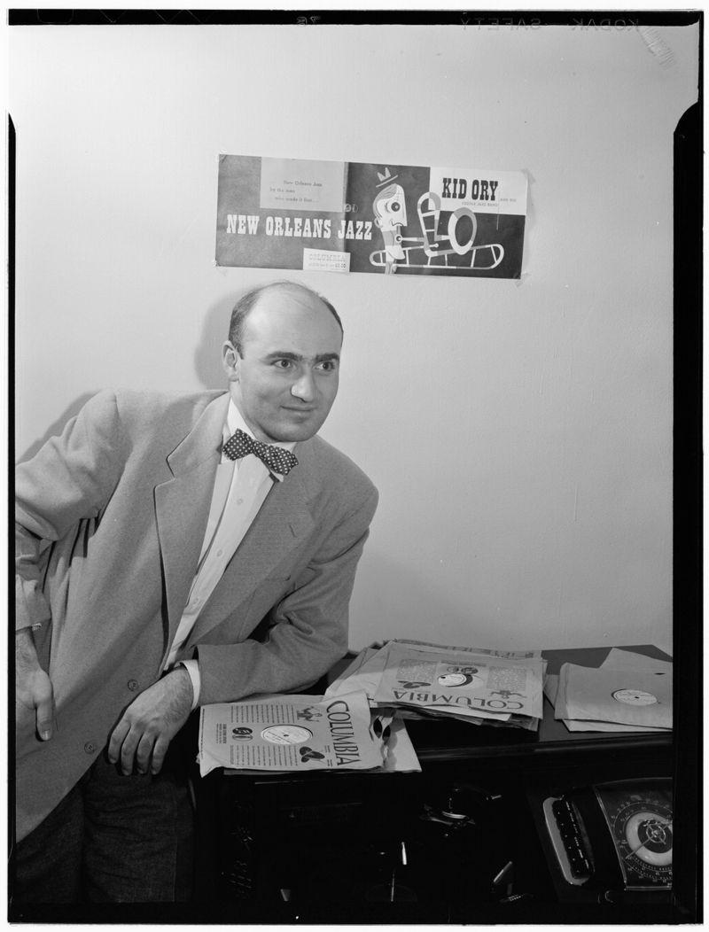 Промо-фото Джорджа Авакяна дляHot Jazz Classics Series.1946 год