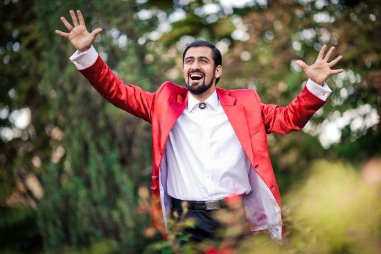 Певец Вазген Оганесян - постоянный участник межкультурных праздников в Москве