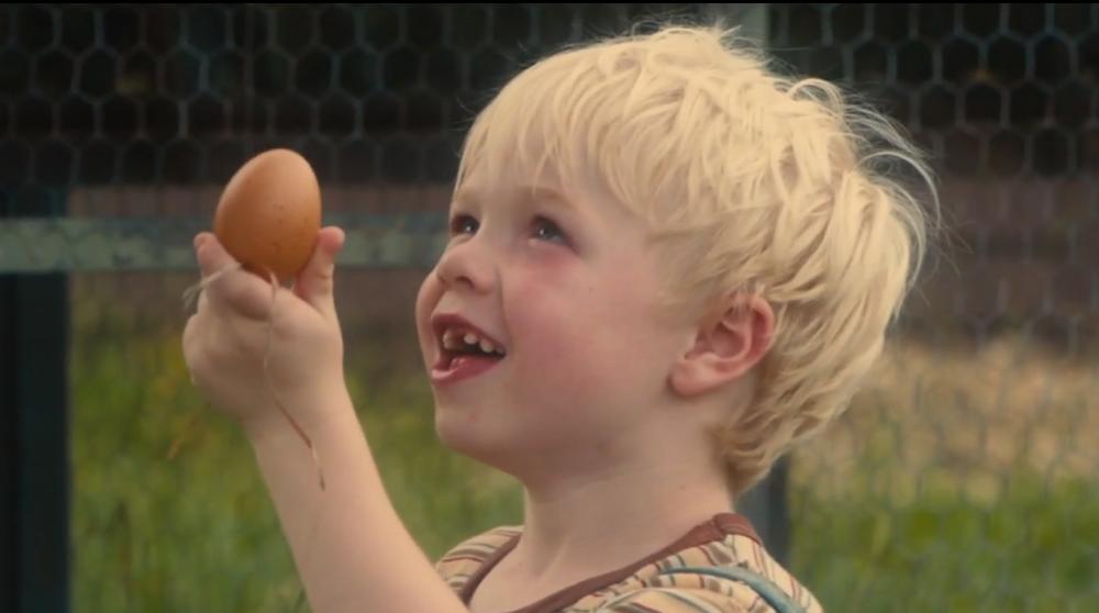 Кадр из фильма «Итака» (2015), экранизации романа Уильяма Сарояна «Человеческая комедия»