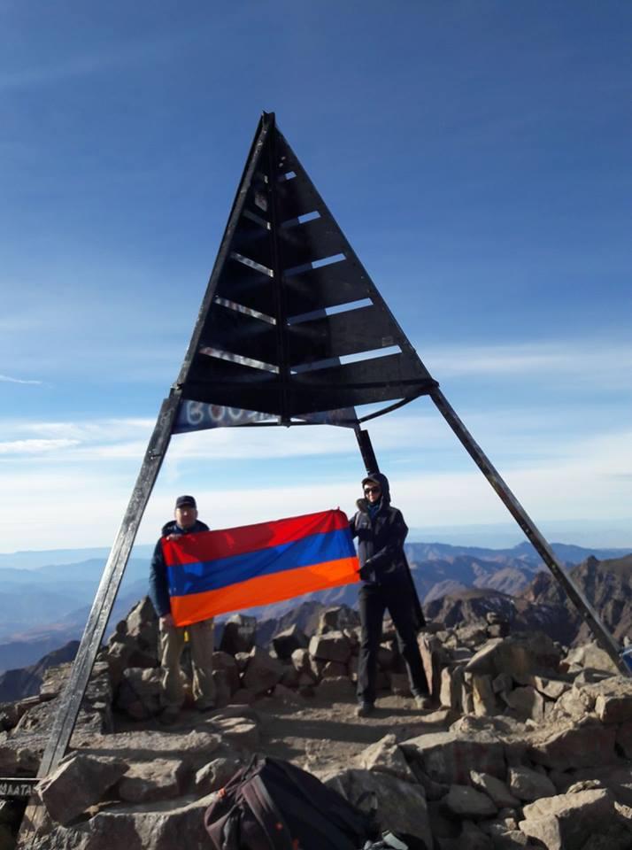 Атласские горы. Не один в вышине. Наверху Тубкаля Антуана Ананяна встречали армянские альпинисты из Германии
