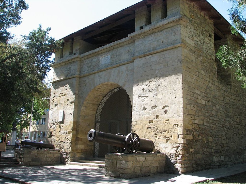 Ворота Анапской крепости