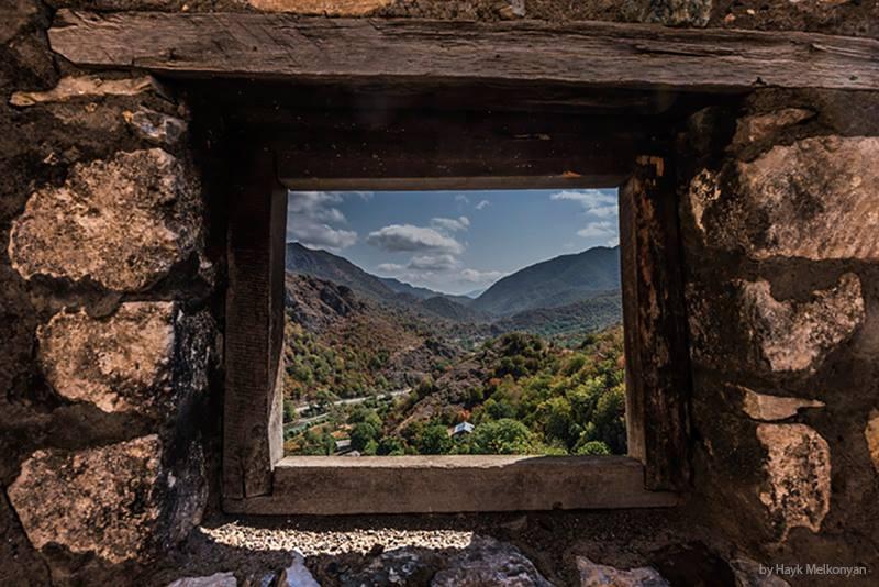 Взгляд из Междумирья. Фото Айка Мелконяна