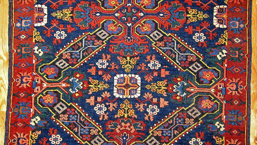 Ковроткачество - Ковроделие относят к числу древнейших ремесел, освоенных армянами. Разведение овец, а значит и производство шерстяных нитей и тканей, их крашение, отмечаются многими историками с древнейших времен.
