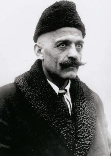Георгий Иванович Гурджиев родился вАлександрополе (ныне Гюмри) вгреко-армянской семье.Точная дата его рождения неизвестна. То ли1866 год, то ли 1874, 1877 или 1872