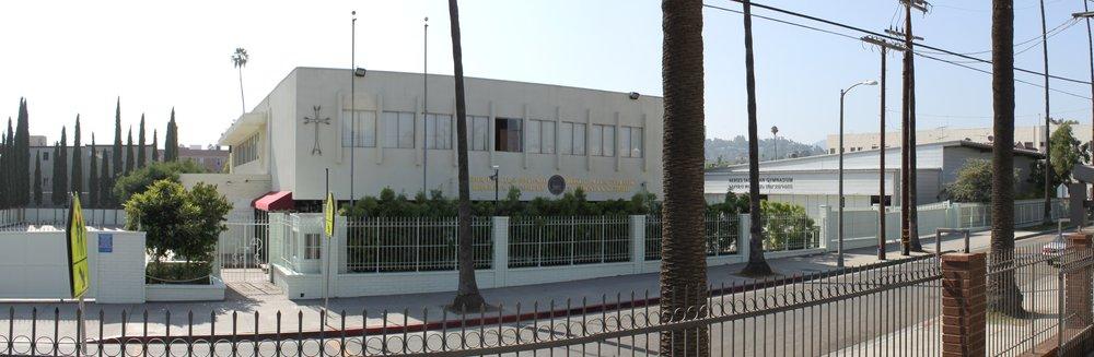 Армянская школа «Rose and Alex Pilibos» (1969) в Восточном Голливуде — одна из крупнейших армянских школ в США, в которой обучается более 500 студентов.
