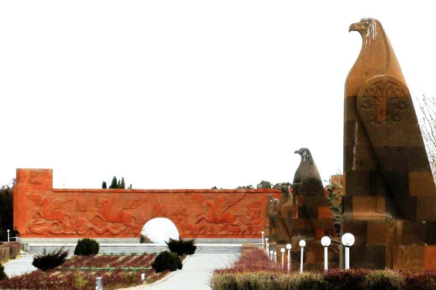 """Мемориальный комплекс """"Сардарапат"""". Фото с сайта создателя, скульптора Ара Арутюнянаaraharutyunyan.com"""
