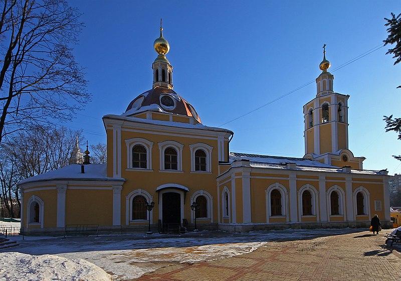 Храм Всех Святых во Всехсвятском был сохранен во время реконструкции одной из главных транспортных артерий города