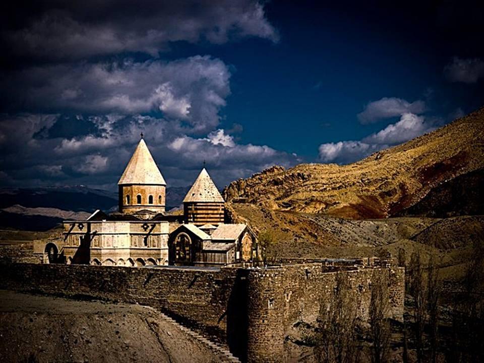 Тадей ванк, (Монастырь Святого Фаддея). армянский монастырь находящийся в провинции Иранa Западный Азербайджан, в районе Чалдоран (Шахрестан) вблизи г. Маку.