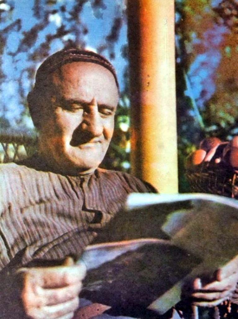 Добрая улыбка Вахтанга Ананяна, в своем творчестве прививавшего любовь к природе у детей и подростков
