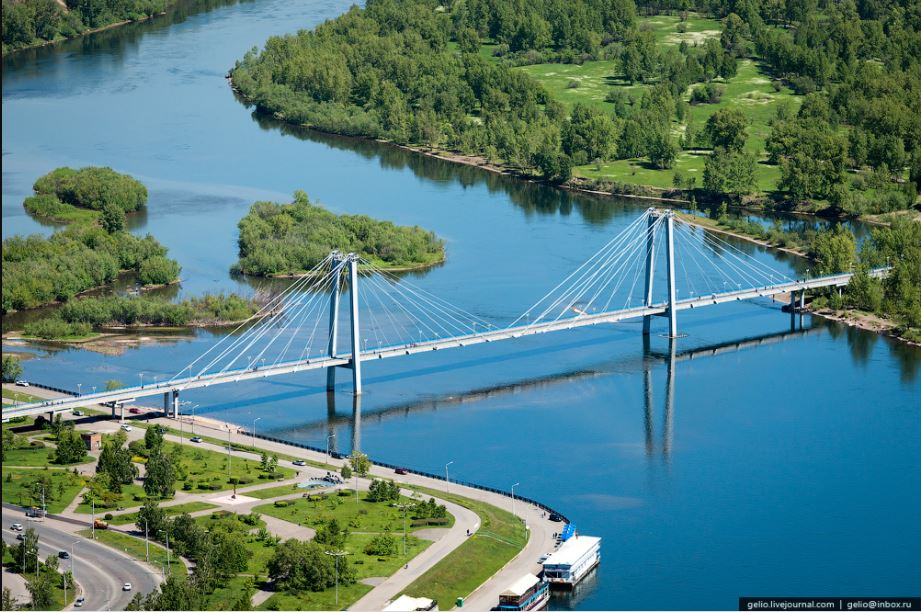 """""""Чем вам не нравится мой мост на остров Татышев? Я им очень горжусь, виды с него великолепные""""."""