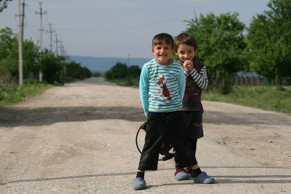 Мальчишки Бамута. Чечня. Фото Сергея Новикова