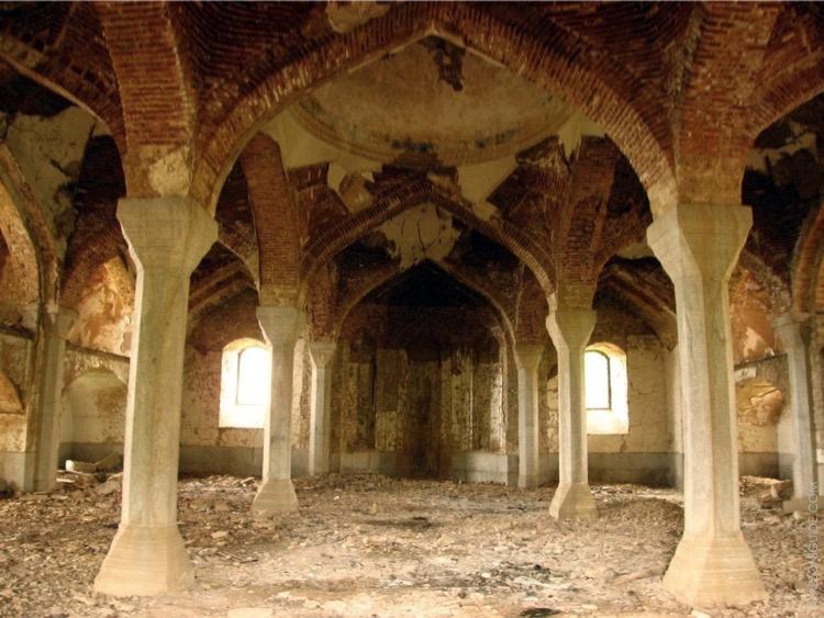 Интерьер мечети.