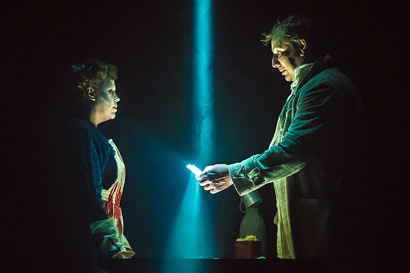 Мюзикл «Суини Тодд, маньяк-цирюльник с Флит-стрит» в Театре наТаганке. Фото: vestimos.ru