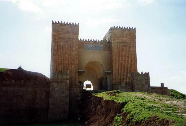 Недавно воссозданные ворота Ниневии. Фотоwikimapia.org