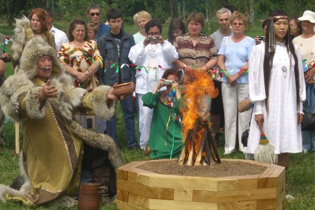 Якутия. Обряд кормления огня