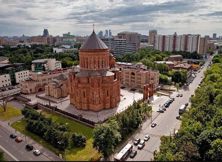 Почти 300 лет армяне ждали этого исторического события – самого большого храма в Диаспоре. И Марьина роща ждала.Фотоfishki.net.