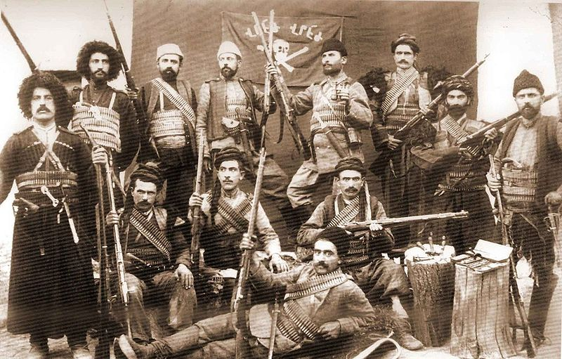 Армянская самооборона. Фотоwww.istpravda.ru
