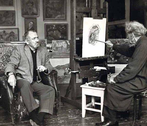 Сарьянпишет портретДжона Стейнбека