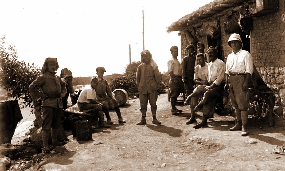 Солдаты Восточного легиона в своём тренировочном лагере в посёлке Монарга (он же Богазтепе, северо-восток острова Кипр), июль-декабрь 1918 года (http://www.ecpad.fr)