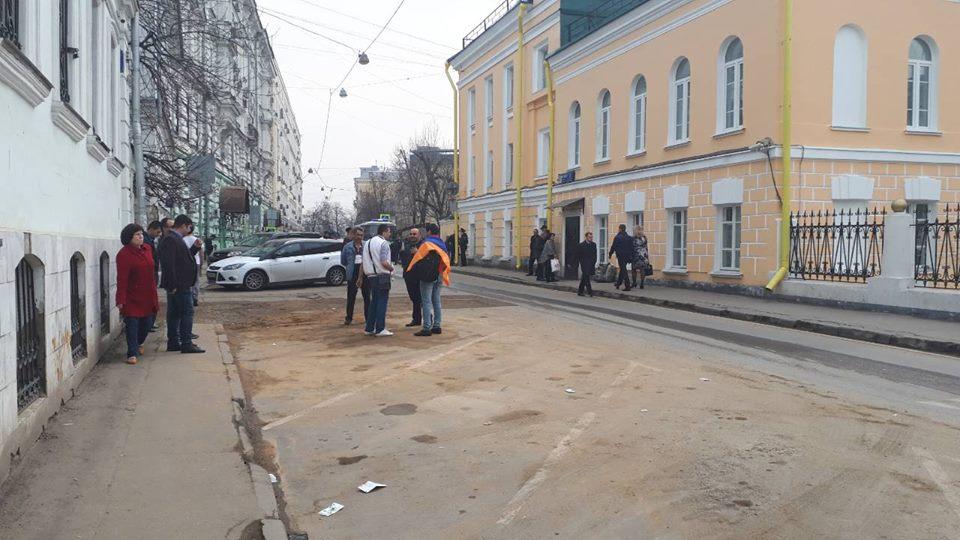 Акция возле Армянского Посольства в Москве не поразила воображение ни сторонников оппозиции, ни наблюдателей.