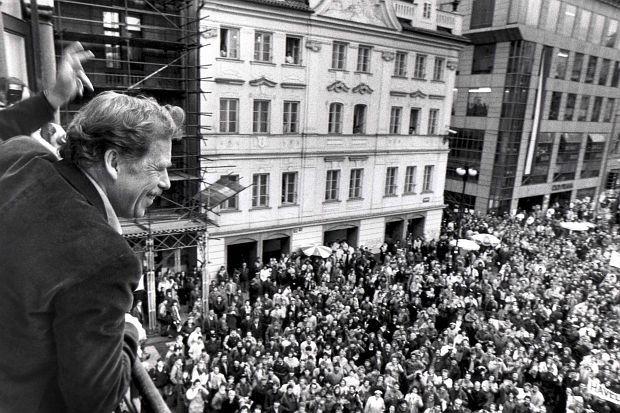 Вацлав Гавел. Ноябрь 1989 Года. Прага. Фотоhttp://ross-bel.ru