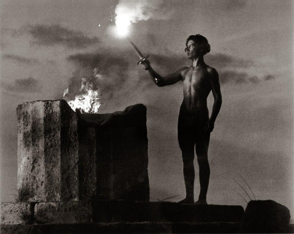 Создатель фильмов, воспевающих тоталитаризм, Лени Рифеншталь - женщина железной воли, которая стремилась объять необъятное и становилась то жертвой, то победительницей.