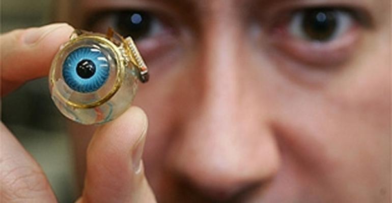 Бионический глаз. Фотоmedgadget.com