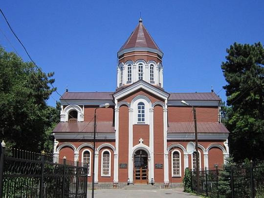 1280px-Церковь_св._Карапета_в_Ростове.jpg