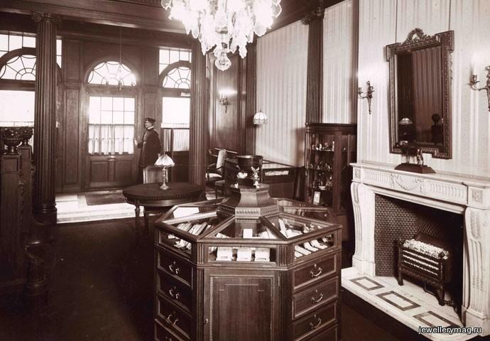 Первый магазин Фаберже в Санкт-Петербурге