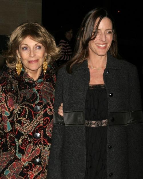 Сесилия с матерью Вероник Пассани
