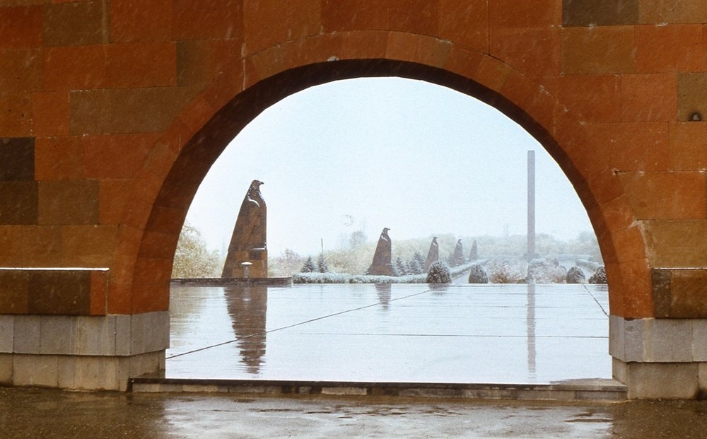 Мемориальный комплекс «Сардарапат»был открыт к 50-летию легендарных событий мая 1918 года. Главный скульптор —Ара Арутюнян
