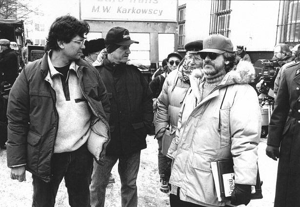 Стивен Заилян   и  Стивен Спилбергна съемках фильма«Список Шиндлера».avproduction.am