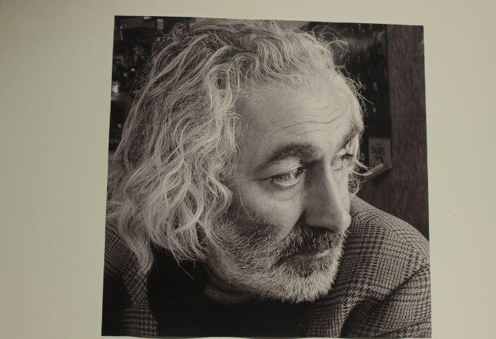 Уже в 70-х годах в московском полуподвальном кругу Сурен Арутюнян был одним из известных художников. За сюрреалистическими реминисценциями его ранних картин таилась мечта о музе дальних странствий, воспетой поэтом Николаем Гумилёвым