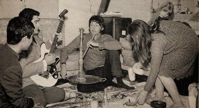 Пол Маккартни иВиген Тертерян (играет на гитаре)|armeniasputnik.am