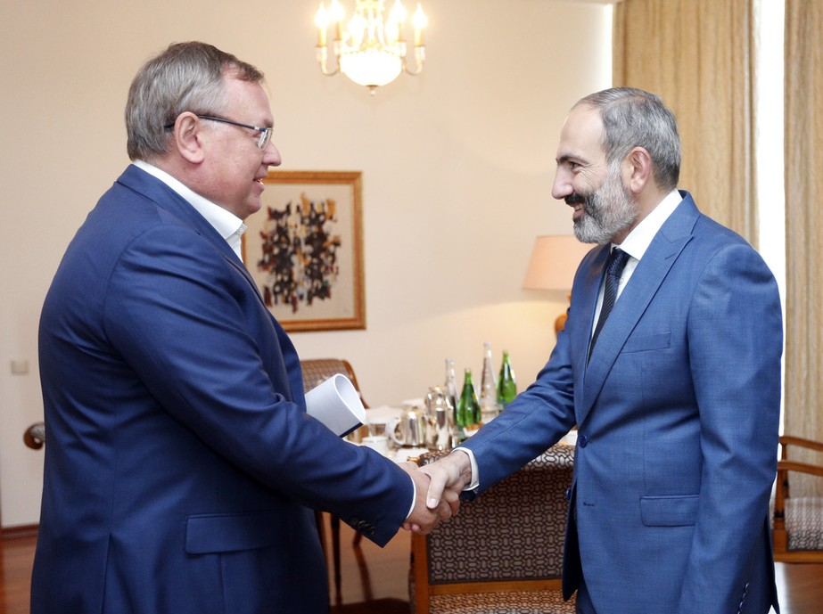 Завтрак с Андреем Костиным | primeminister.am