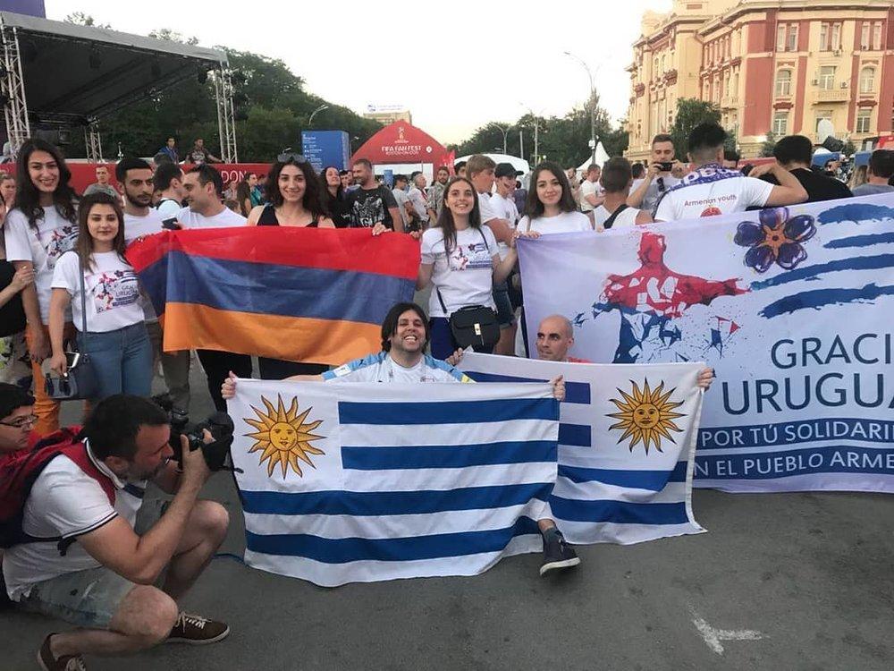 Баннеры, которые сделали ростовские армяне | @p._liana, instagram.com