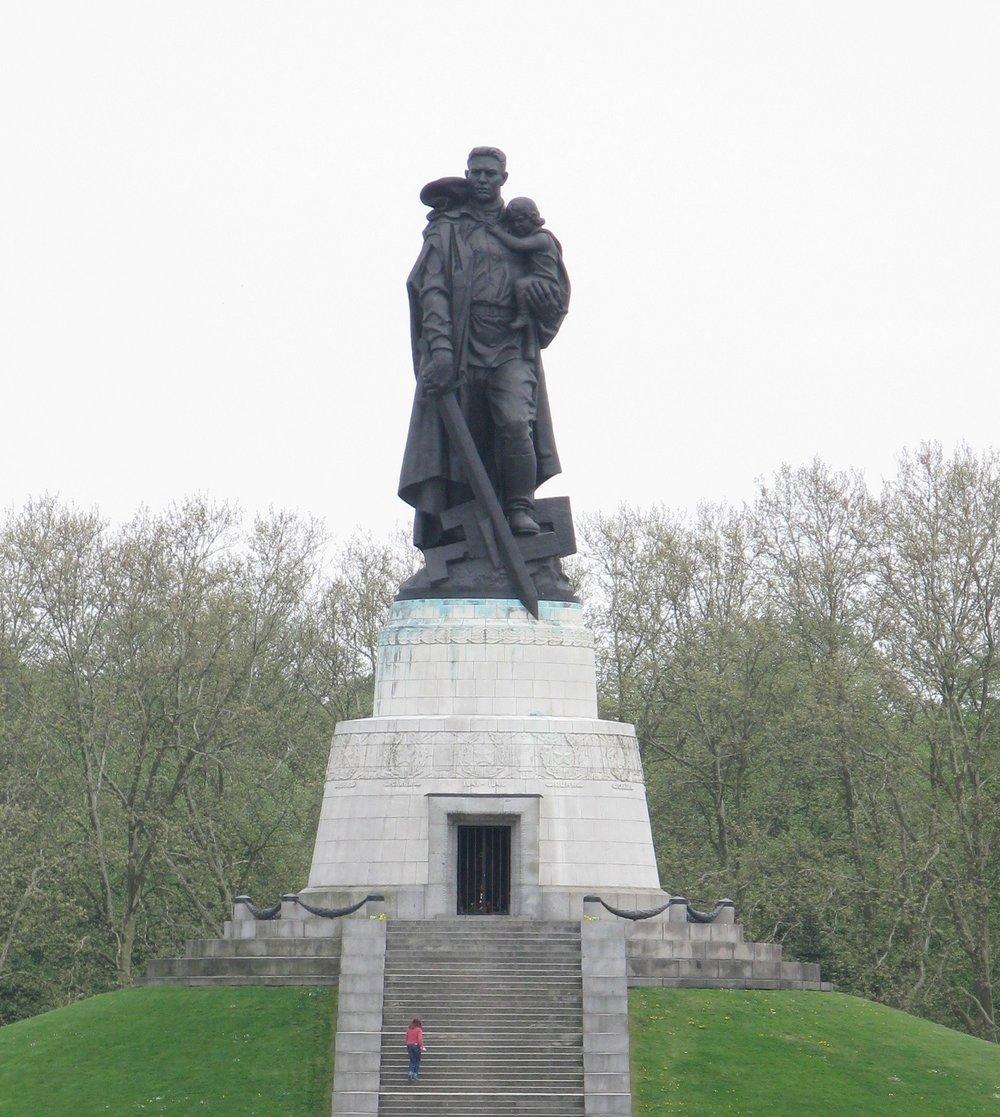 Монумент в Трептов-парке | placetobe.info